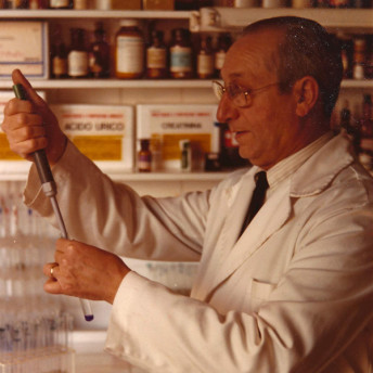 Historia Farmacia Aguilar